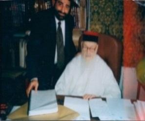 Rav Moryoussef avec Rabbi Shalom Messas Z''L' Le Grand Rabbin du Maroc, puis il devena le Grand Rabbin de Jérusalem