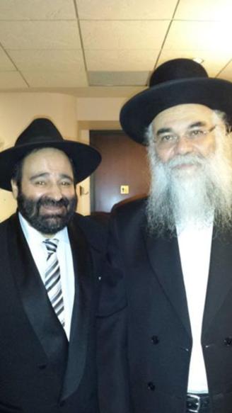 Rav Moryoussef en présence du Rav Banon, Rabbin du Centre Sépharade de Torah de Laval, Dayan et Mohel.